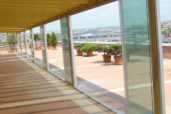 surme-cam-balkon-sistemleri