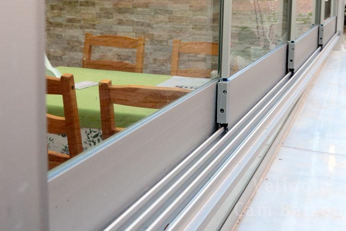 surme-cam-balkon1