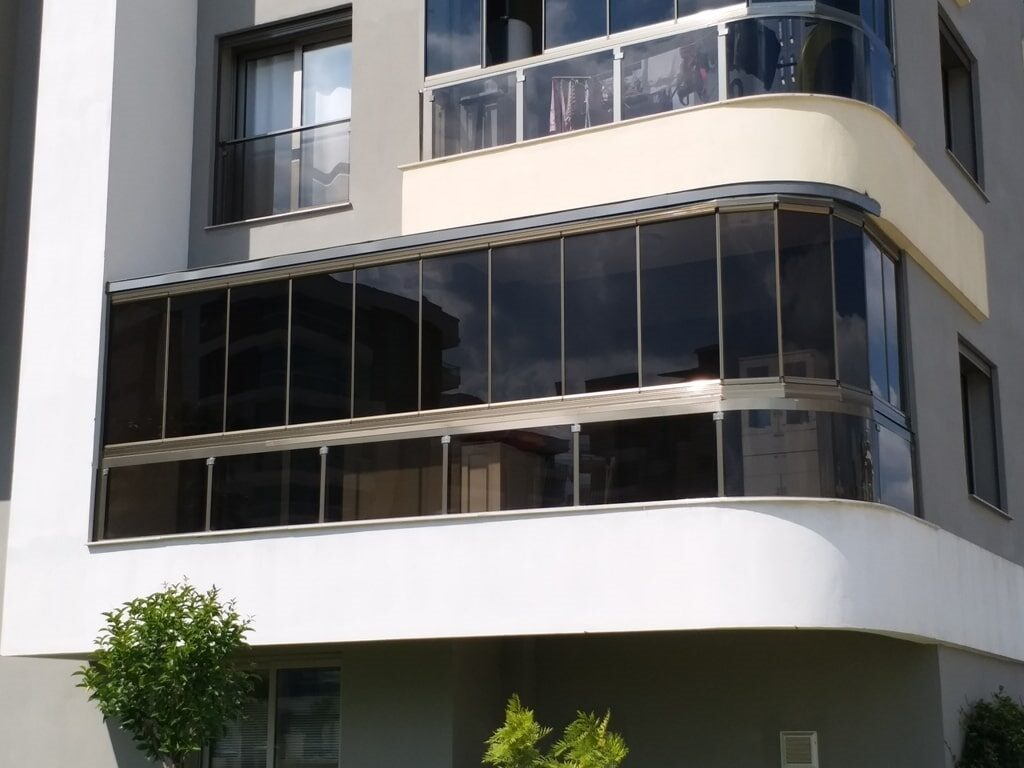 Yeşilyurt Piamapen Cam Balkon